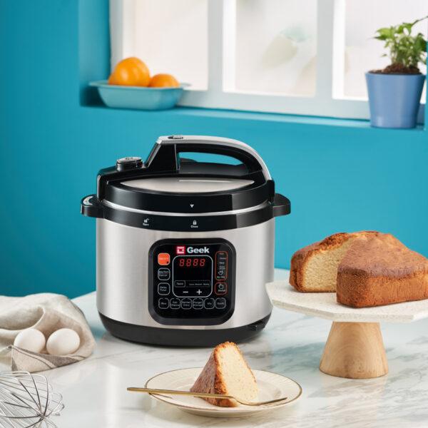 Geek Robocook Zeta Automatic Electric Pressure cooker can bake cakes too