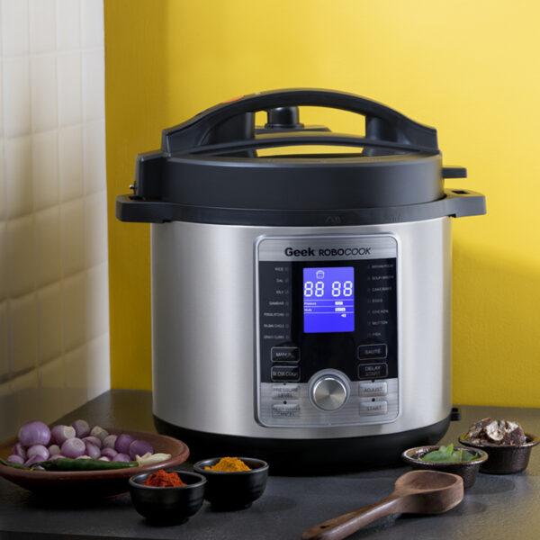 Make spicy, masaledaar food with Geek Robocook Digi Automatic Electric PRessure cooker