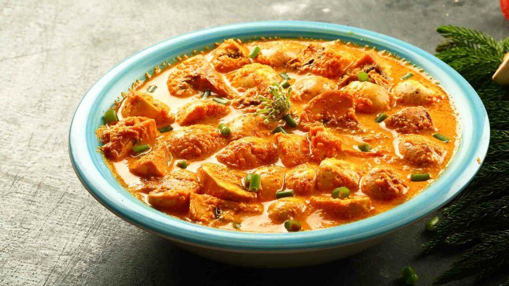 Aloo Mushroom Malai Matar gravy