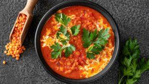 Lentils tomato chilli curry